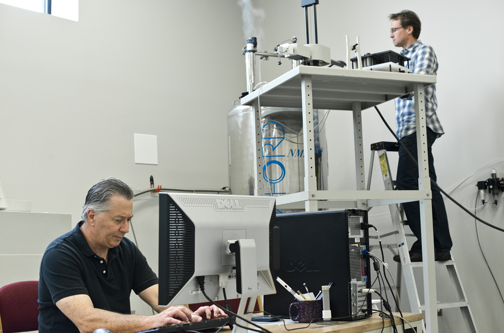 Chuck & Dave at the 500 MHz NMR